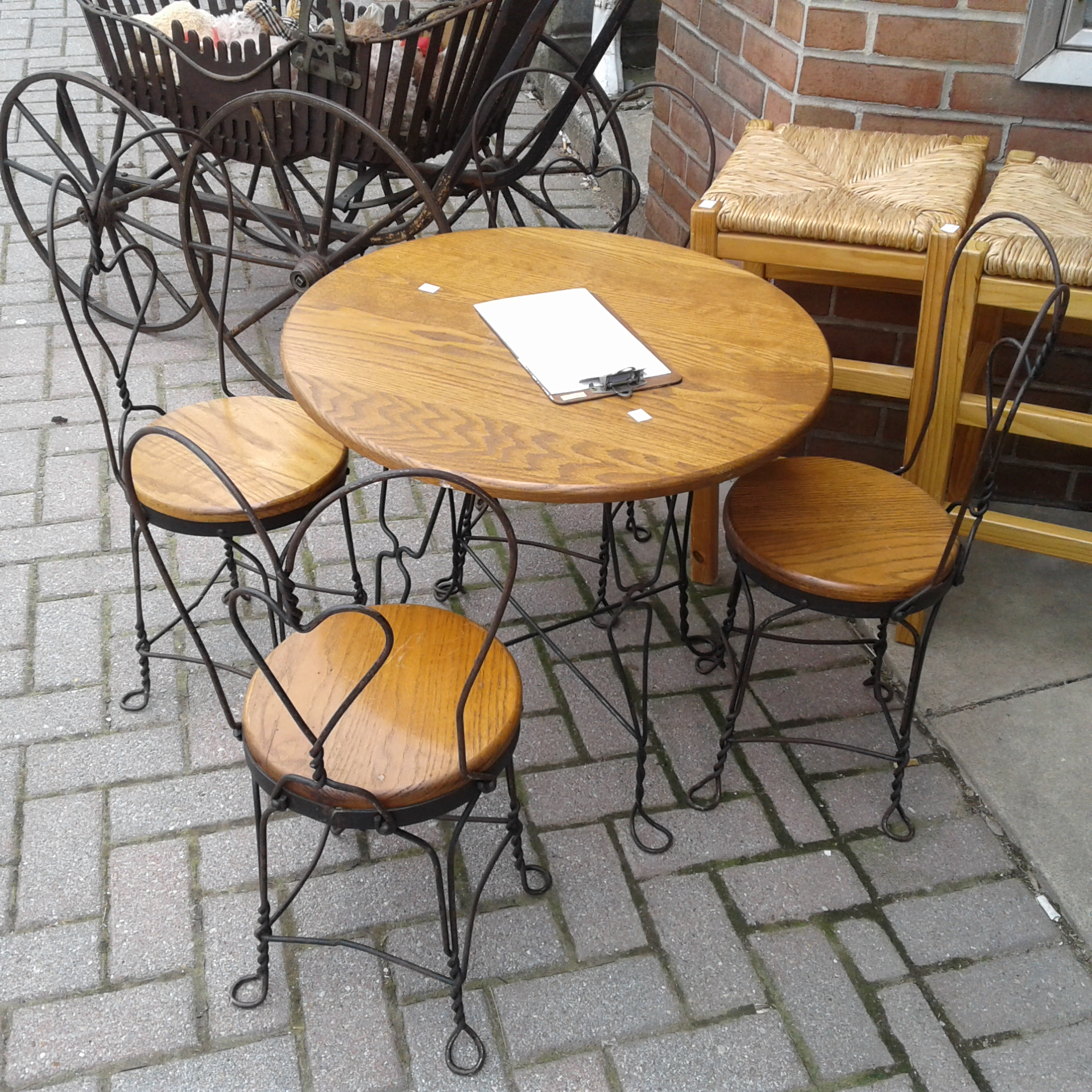 Children S Ice Cream Parlor Table And Chairs Chair Design Ideas